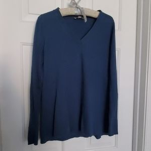 Light tunic/sweater